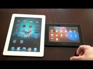 fotografia di due Tablet, uno con cornice bianca e uno con cornice nera