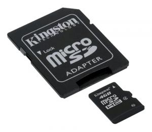 figura con due tipi di memoria flash, una grande e una piccola