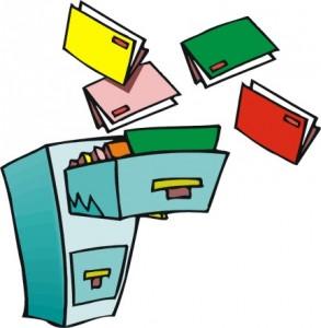 Cassetto di una scrivania dove entrano cartelle volanti