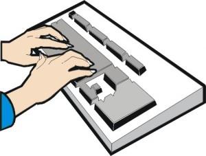 Mani che stanno usando la tastiera