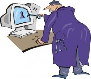 Signore che inserisce una chiave nello schermo del computer
