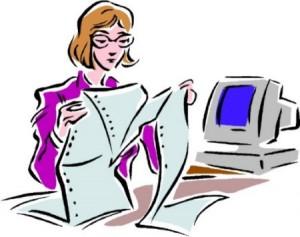 Disegno di Signora con a fianco un computer che sta guardando una stampa su foglio continuo