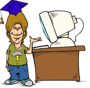 Ragazzo con il cappello da studente che ha di fianco un computer
