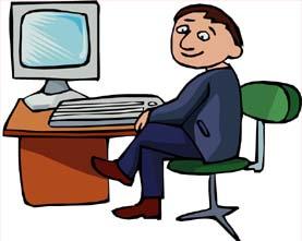 Figura di signore seduto su una sedia accanto ad una scrivania regolabile con sopra un computer